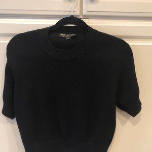 St. John Black Shoet Sleeve Sweater